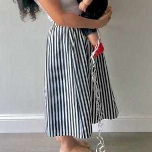 Dresses & Skirts - Navy striped midi skirt